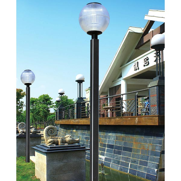 Courtyard lamp